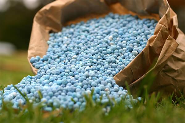 将 SOCO®保水剂干燥混合到肥料制剂中
